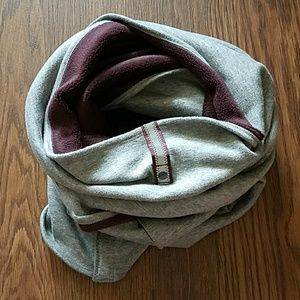 Lululemon Vinyasa Scarf *fleece